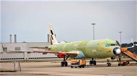 星宇航空在官方臉書上透露,「老四機」已完成機身接合。(圖/翻攝自星宇航空臉書)