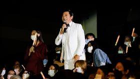 九孔在任賢齊演唱會上宣布死會。圖/KKLIVE提供
