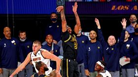 NBA/一眉神三分!湖人絕殺逆轉勝 NBA,季後賽,洛杉磯湖人,Anthony Davis,LeBron James,丹佛金塊 翻攝自推特