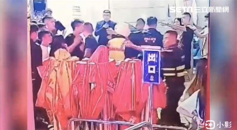 信義夜店互毆 22歲男反控警踩斷腳