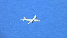 中共運8反潛機。(圖/國防部提供)