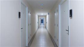一層樓 公寓門(圖/PIXABAY)