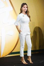 蔡依林出席品牌記者會擔任代言人(2)藝人蔡依林23日穿著一身白色套裝,亮麗出席品牌記者會擔任代言人。中央社記者王騰毅攝  109年9月23日