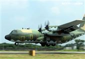 空軍第六混合聯隊第十空運大隊第102中隊,榮獲「109年度國軍模範團體」C-130H、編隊起飛、實施超高難度500呎衝場、100呎高速衝場後最大性能爬升、60度小轉彎、低空重飛、正常航線連續起飛、莫比烏斯帶式連續起飛、高進場短場落地、慢飛、轉彎中戰術落地。(記者邱榮吉/攝影)
