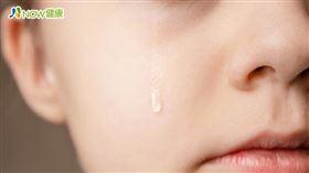 名家專用/NOW健康/臨床上,類似病患前來門診就醫時,會先懷疑自己眼睛可能因為過度流淚,導致視力受影響。(勿用)