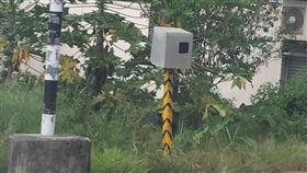 測速照相,新型,到處跑,紙箱(翻攝自 爆廢公社公開版)