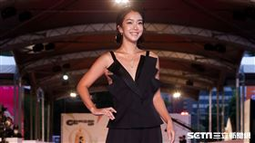 第55屆金鐘獎紅毯主持人李霈瑜(大霈)線深。(圖/記者邱榮吉、林聖凱攝影)