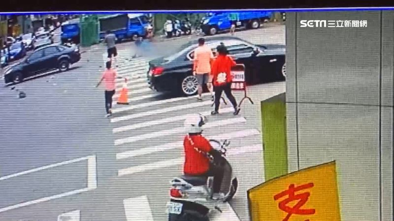 獨/2肇男撞死7旬翁 醫院噴淚下跪