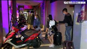 台北市萬華分局一夜連破4間應召站。(圖/翻攝畫面)