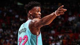 NBA/神準!士官長連進16顆三分 NBA,邁阿密熱火,Jimmy Butler,士官長,三分球 翻攝自推特