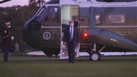 川普接連在推特發文,還釋出一支具有電影感的搭乘陸戰隊一號直升機影片(圖/翻攝自Donald J. Trump臉書影片)