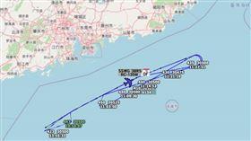 美軍來幫忙?傳共機再度擾台,美電偵機畫「防線」路徑曝光(圖/翻攝推特帳號「Tokyo Radar」)