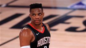 NBA/威少賞「23萬小費」給房務 NBA,休士頓火箭,Russell Westbrook,迪士尼,小費 翻攝自推特