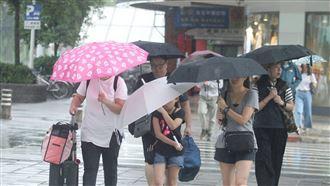 梅雨季首波鋒面撲台!迎風面恐強降雨