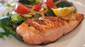 鮭魚,鮭魚便當,菜色。(圖/翻攝自Pixabay)