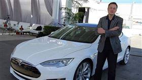 網友調侃「X Æ A-12 Musk」聽起來很像特斯拉新車款。(圖/翻攝自馬斯克IG)