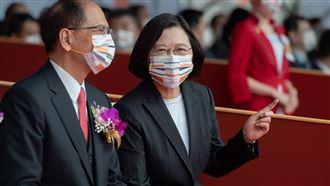 台灣隊長彩蛋來了…小英送國慶口罩
