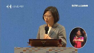 焰火吸人潮 總統:台南成功是台縮影