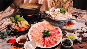 1116至1130則是菊島風味火鍋套餐,主廚特以潮汕手法佐以當地海鮮食材煲湯,微涼秋風最適合吃火鍋暖身,火鍋控千萬別錯過。(圖/昇恆昌提供)