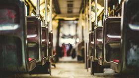 巴士,公車(圖/Pixabay)