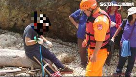 又是柴山秘境!今再傳遊客扭傷受困 海巡揹下山