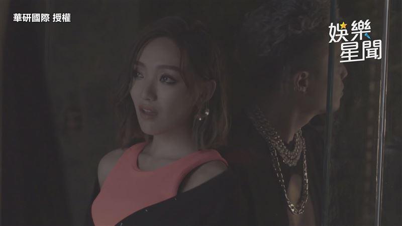 閻奕格合作欣賞男星 拍MV害羞共舞