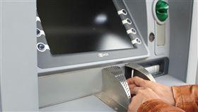 ATM,提款,轉帳(圖/翻攝自Pixabay)