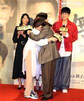 劉冠廷、楊貴媚、張本渝、劉子銓、陳妍霏出席「無聲」首映會。(記者邱榮吉/攝影)
