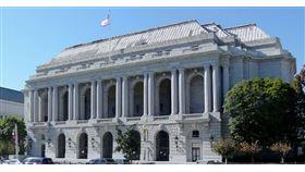 舊金山交響樂團與舊金山歌劇院都與樂手達成了新的協議,以應付該地的Davies音樂廳及戰爭紀念歌劇院自3月起即因新冠疫情停工至今,而且起碼將會持續閉館直到年底,兩個組織都無法進行現場演出、失去主要收入的困境。