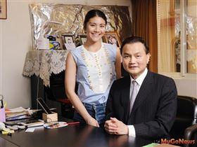 新第來亨建築董事長許清芳及女兒向來鎖定台北市推案,歷年實績近百件(圖/業者提供)