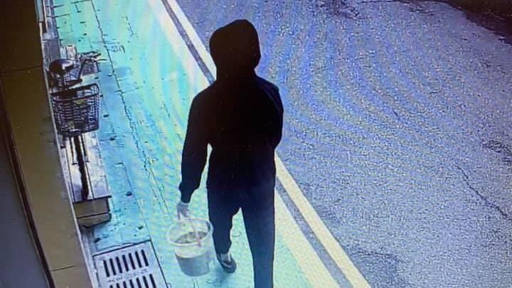 潑糞「保護傘」幕後黑手抓到了 3嫌給1萬5教唆犯案