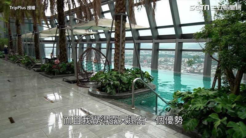 32樓無邊際泳池 夜景美翻 他曝:電梯等快10分鐘