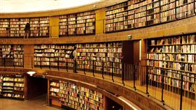 書店,讀書館,書架,大便(示意圖/翻攝自Pixabay)