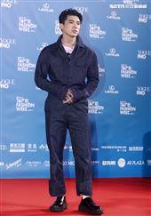 林哲熹出席「2020臺北時裝週」壓軸時尚大秀。(記者邱榮吉/攝影)