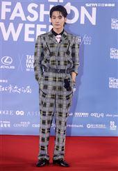 吳思賢出席「2020臺北時裝週」壓軸時尚大秀。(記者邱榮吉/攝影)