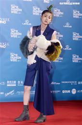林予晞出席「2020臺北時裝週」壓軸時尚大秀。(記者邱榮吉/攝影)