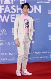 張軒睿出席「2020臺北時裝週」壓軸時尚大秀。(記者邱榮吉/攝影)