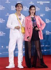 炎亞綸、孟耿如出席「2020臺北時裝週」壓軸時尚大秀。(記者邱榮吉/攝影)