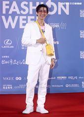 炎亞綸出席「2020臺北時裝週」壓軸時尚大秀。(記者邱榮吉/攝影)