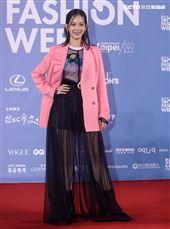孟耿如出席「2020臺北時裝週」壓軸時尚大秀。(記者邱榮吉/攝影)