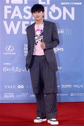 范少勳出席「2020臺北時裝週」壓軸時尚大秀。(記者邱榮吉/攝影)