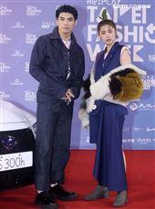 林予晞、林哲熹出席「2020臺北時裝週」壓軸時尚大秀。(記者邱榮吉/攝影)