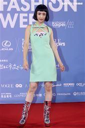 林依晨出席「2020臺北時裝週」壓軸時尚大秀。(記者邱榮吉/攝影)
