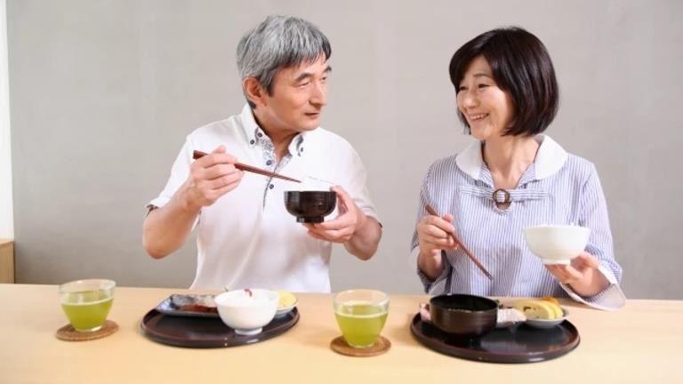 高齡長者易有吞嚥障礙 注意9症狀避免引肺炎、肌少症