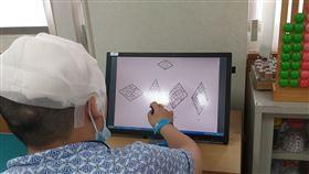 60歲男罹患罕見「他人之手症候群」(南投醫院提供)
