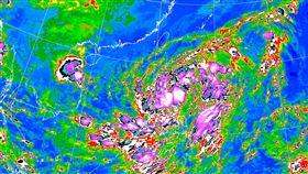 位在菲律賓東方海面的熱帶性低氣壓,預估今(20)日將生成為今年第17號颱風「沙德爾」。(圖/翻攝自氣象局)