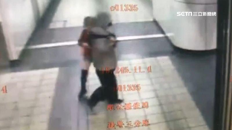 國慶主持人地下街遭襲胸 畫面曝光