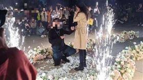 遼寧大連工業大學學生求婚(圖/翻攝自微博)