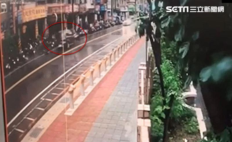 酒駕女逆向撞19車 2騎士重摔噴飛