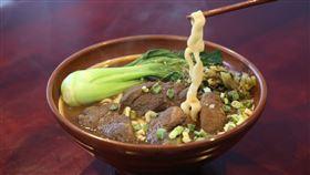 牛肉麵,湯頭,麵體,王道。(圖/翻攝自Pixabay)
